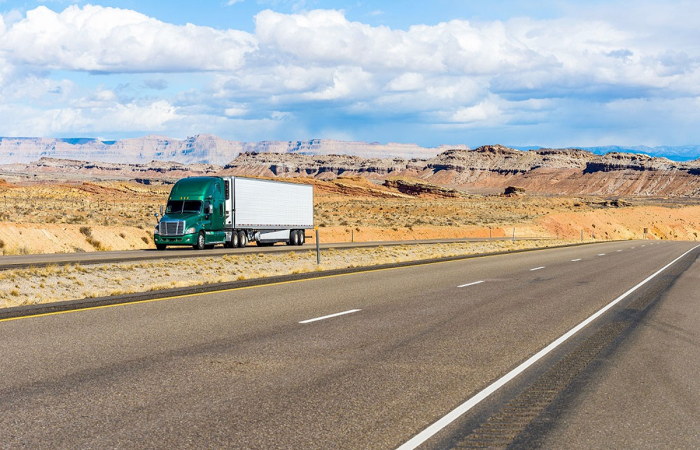 Consider a Dealer When Buying Used Semi-Trucks